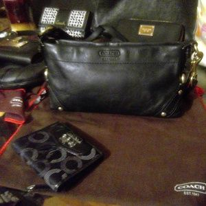 Vintage Coach Black Shoulder Purse W/ Bag + wallet